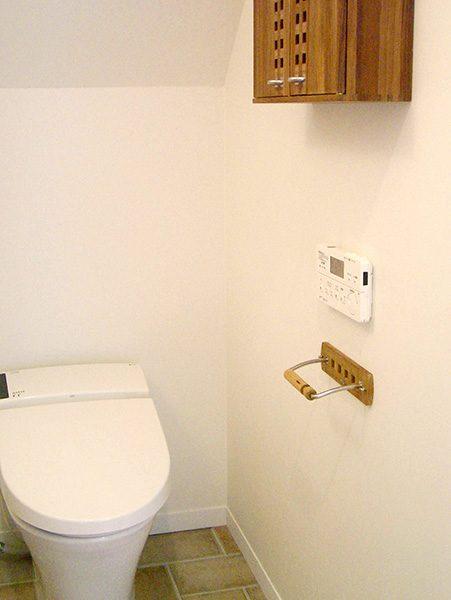 1階トイレ...