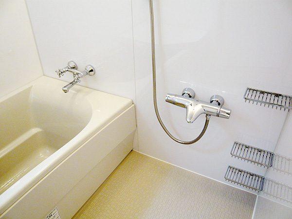 清潔感溢れるお風呂...