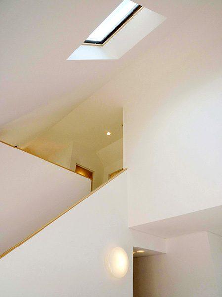 吹き抜けリビング階段...