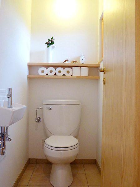 清潔感あふれるトイレ...