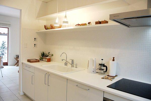 デンマークのシンプルキッチン...