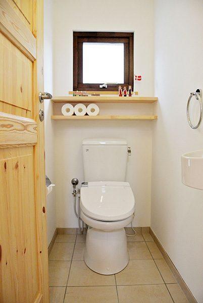 トイレだって快適床暖房...